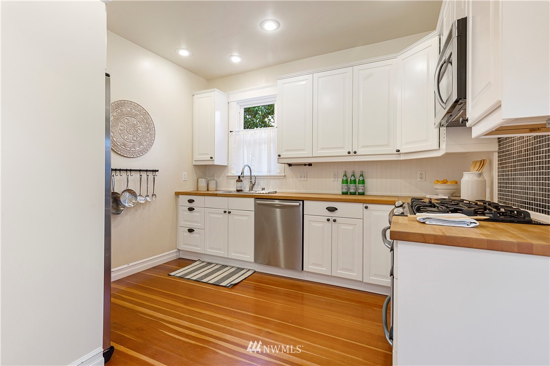 Sold Property | 1133 NW 59th Street Seattle, WA 98107 3