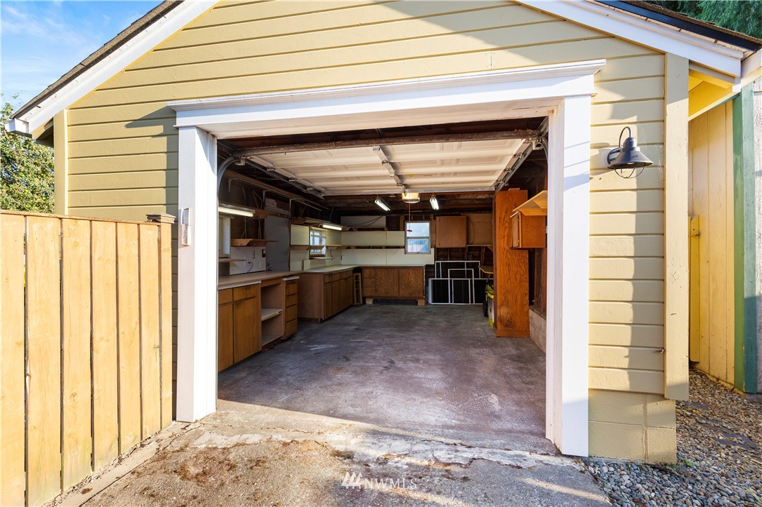 Sold Property | 1133 NW 59th Street Seattle, WA 98107 16