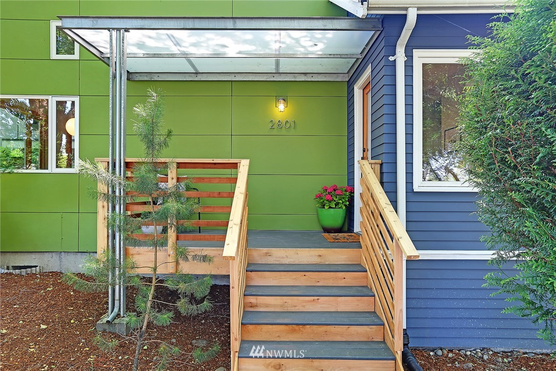 Sold Property | 2801 E Columbia Street Seattle, WA 98122 1