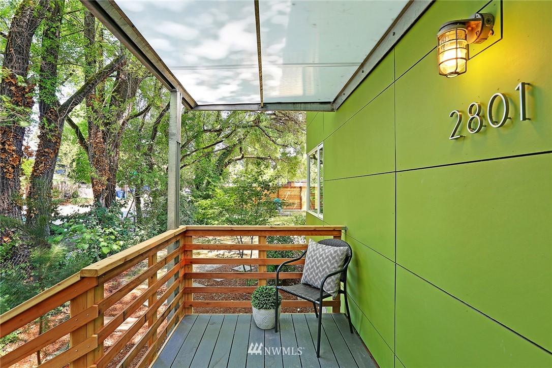 Sold Property | 2801 E Columbia Street Seattle, WA 98122 2