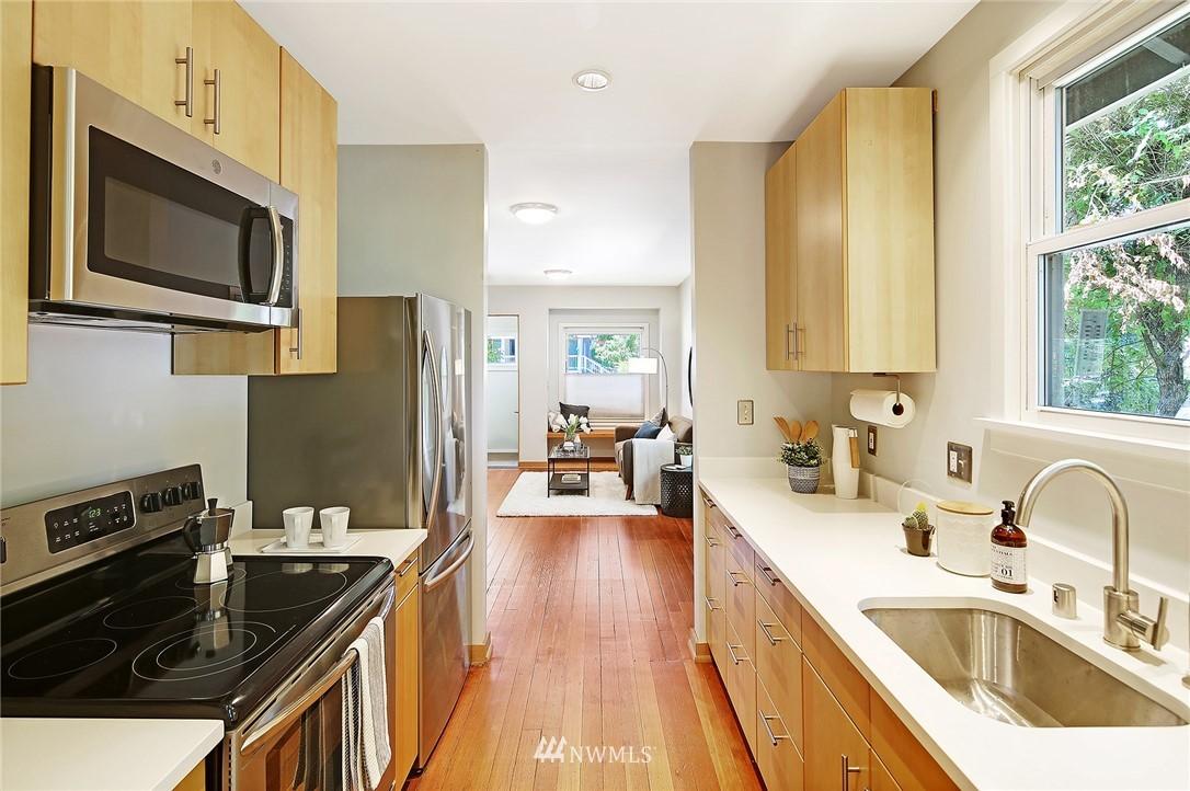 Sold Property | 2801 E Columbia Street Seattle, WA 98122 8