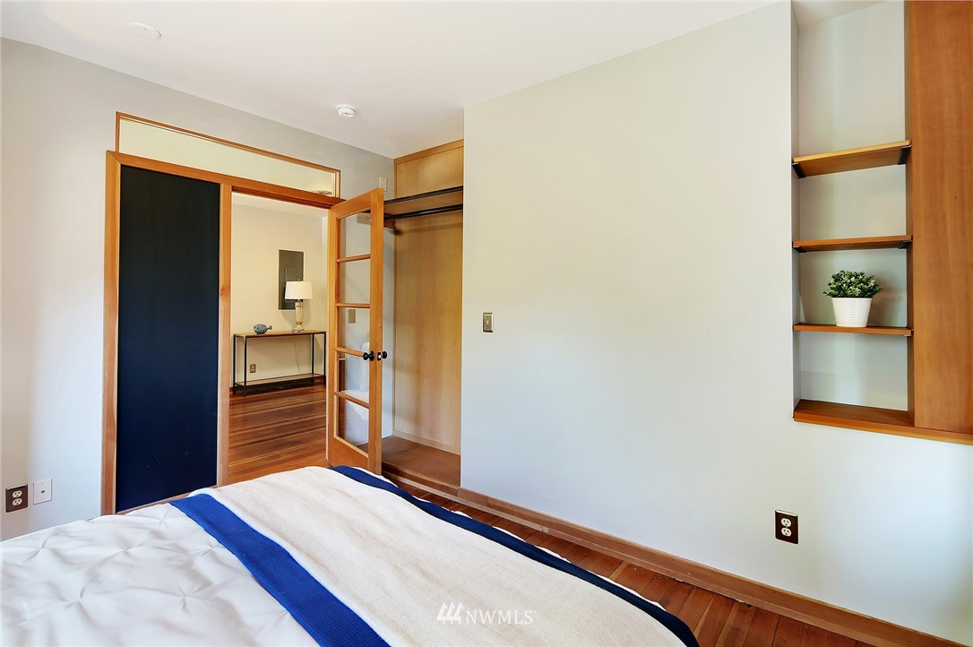 Sold Property | 2801 E Columbia Street Seattle, WA 98122 15