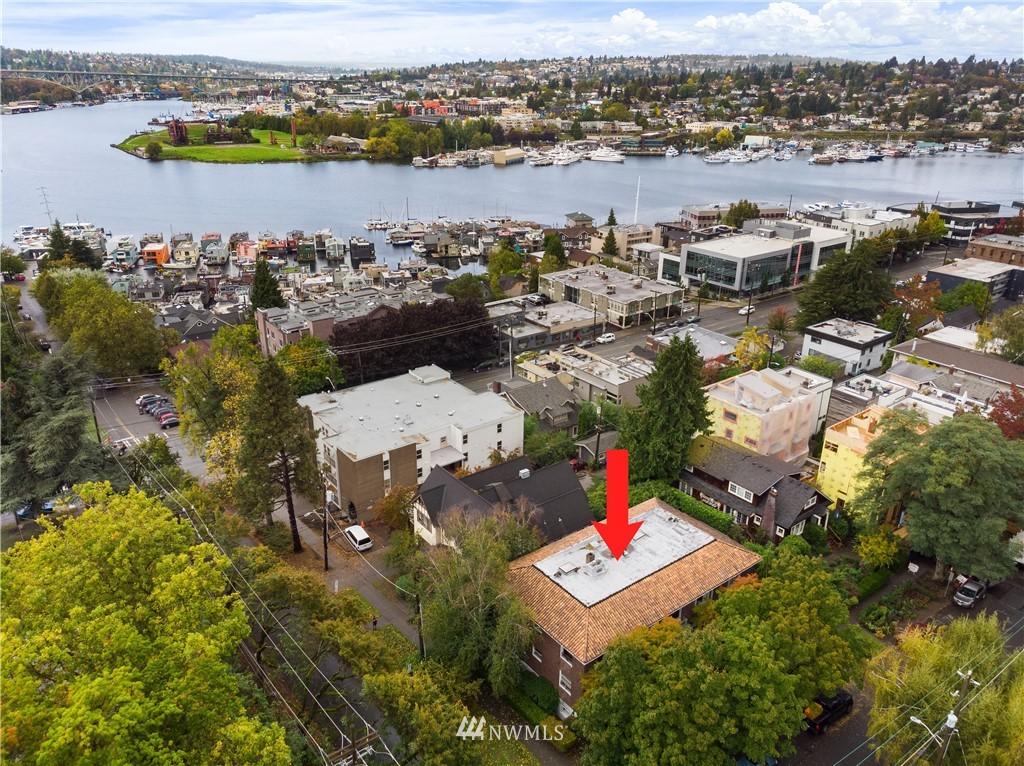 Sold Property | 2605 Franklin Avenue E #E Seattle, WA 98102 24