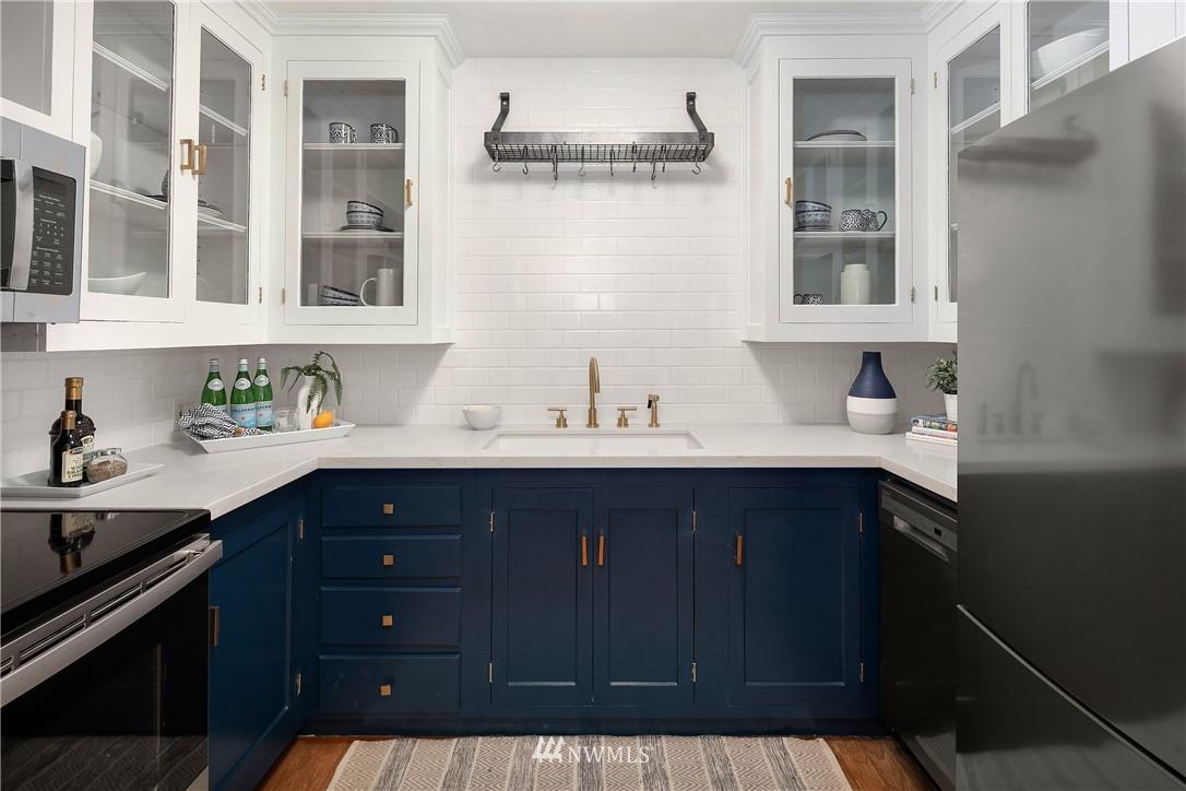 Sold Property | 2605 Franklin Avenue E #E Seattle, WA 98102 6