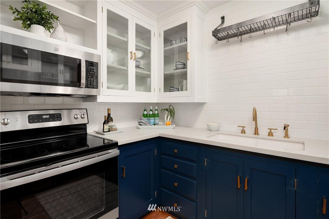 Sold Property | 2605 Franklin Avenue E #E Seattle, WA 98102 7