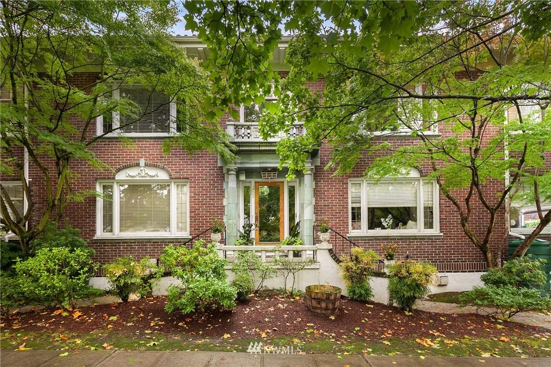 Sold Property | 2605 Franklin Avenue E #E Seattle, WA 98102 1