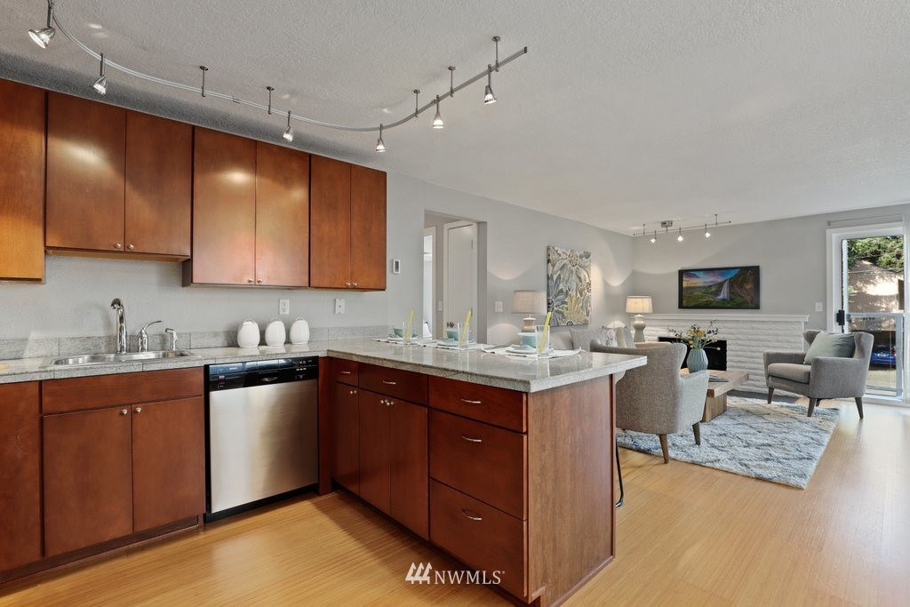Sold Property | 1751 NW 58th Street #3 Seattle, WA 98107 6