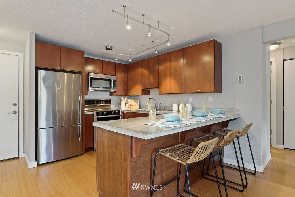 Sold Property | 1751 NW 58th Street #3 Seattle, WA 98107 8