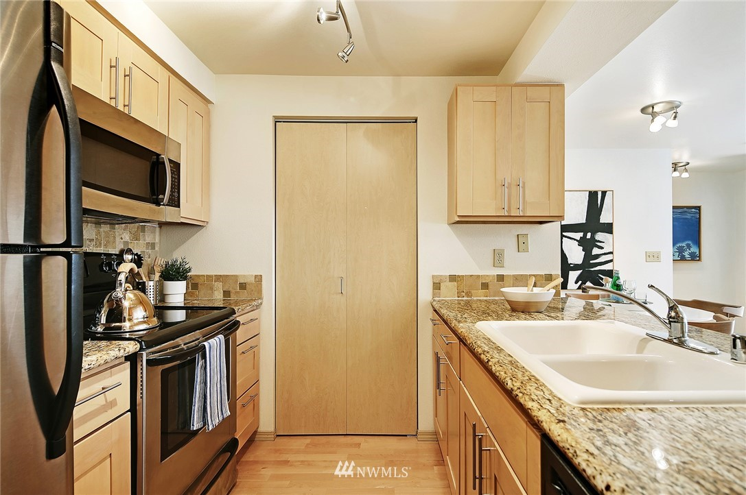 Sold Property | 6960 California Avenue SW #A307 Seattle, WA 98136 6