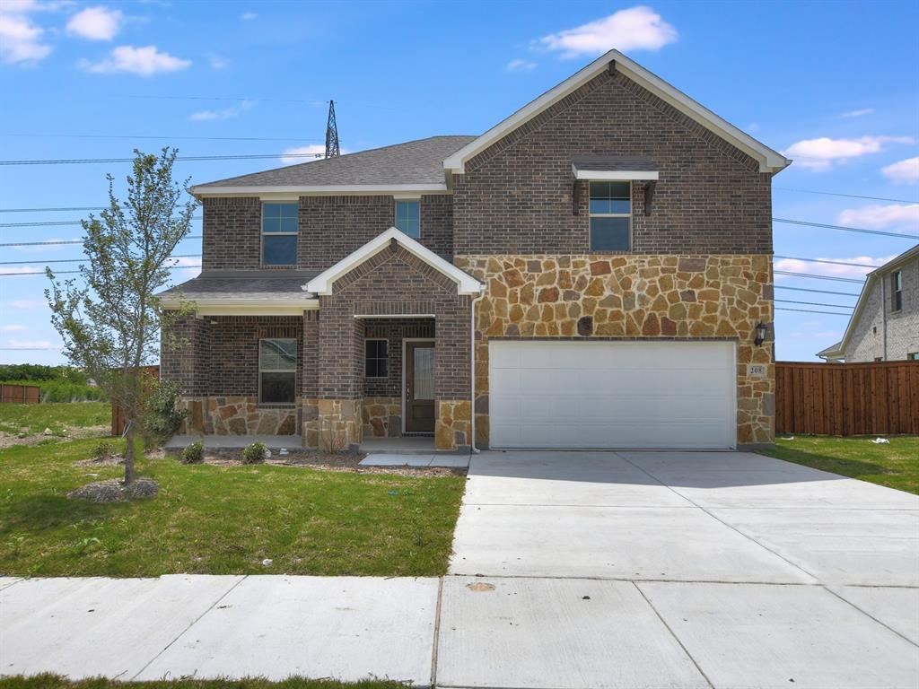 Active | 208 Henly Drive Fort Worth, Texas 76131 0