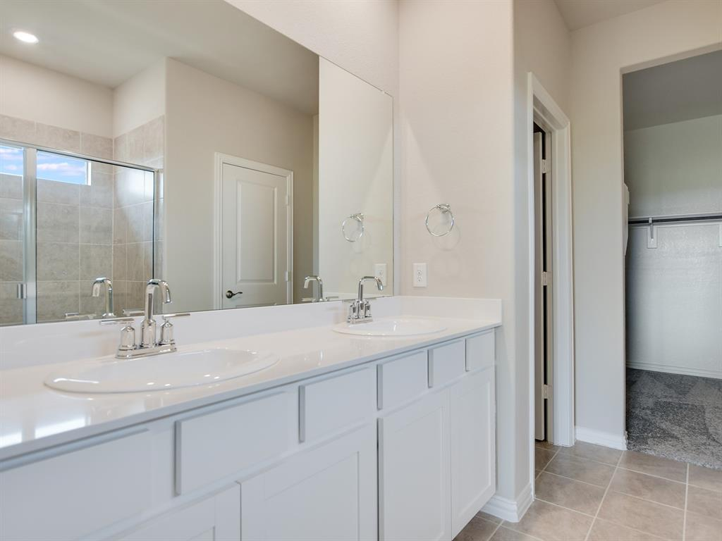 Active | 208 Henly Drive Fort Worth, Texas 76131 11