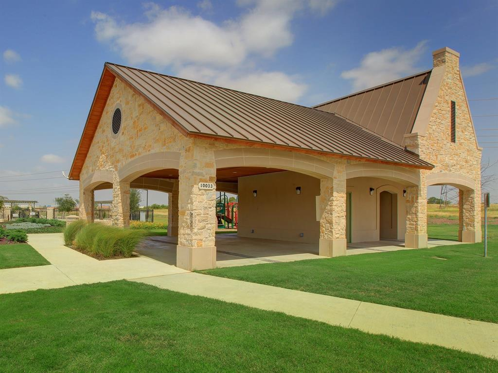 Active | 208 Henly Drive Fort Worth, Texas 76131 24