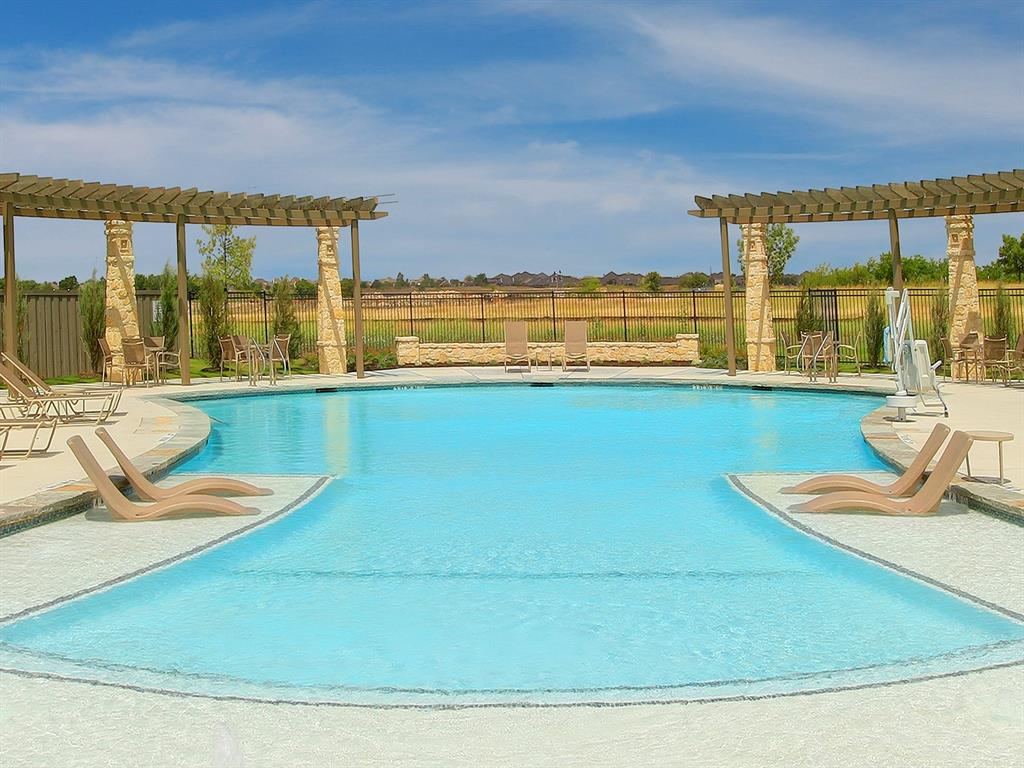 Active | 208 Henly Drive Fort Worth, Texas 76131 26