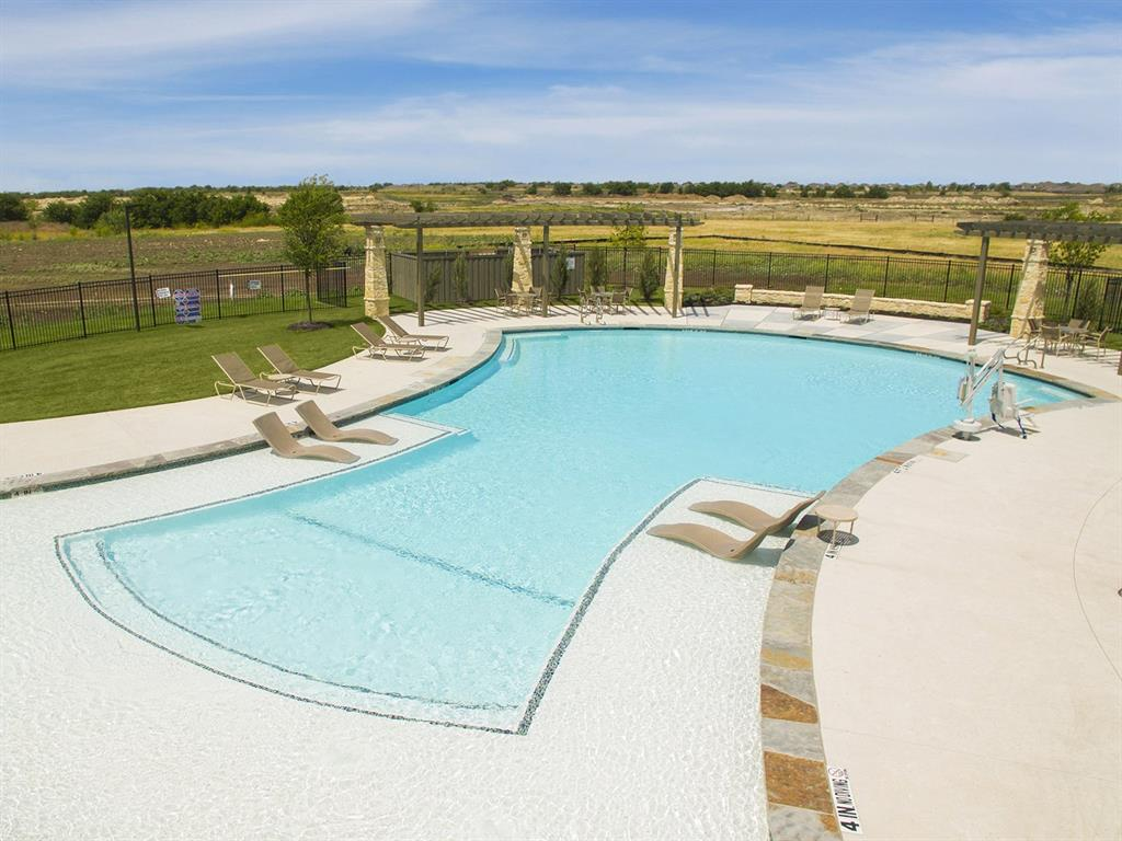 Active | 208 Henly Drive Fort Worth, Texas 76131 30