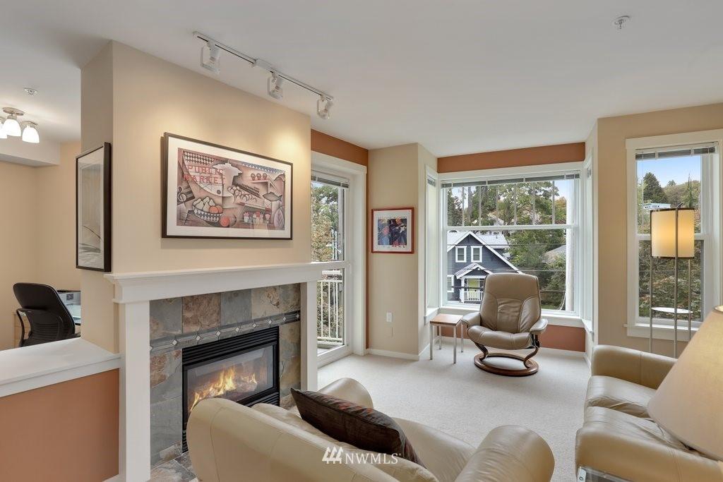 Sold Property   2901 NE Blakeley Street #404 Seattle, WA 98105 3