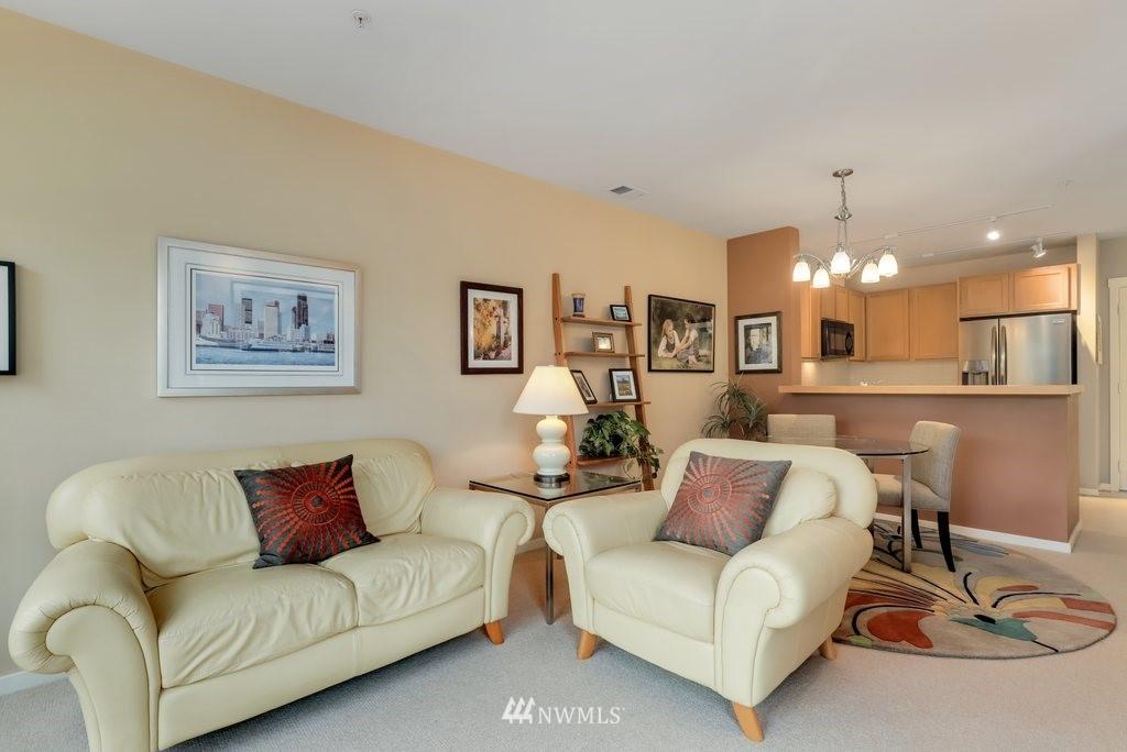 Sold Property   2901 NE Blakeley Street #404 Seattle, WA 98105 4