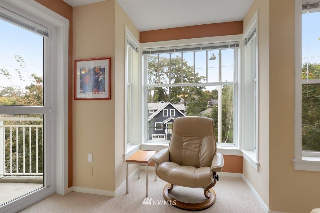 Sold Property   2901 NE Blakeley Street #404 Seattle, WA 98105 6