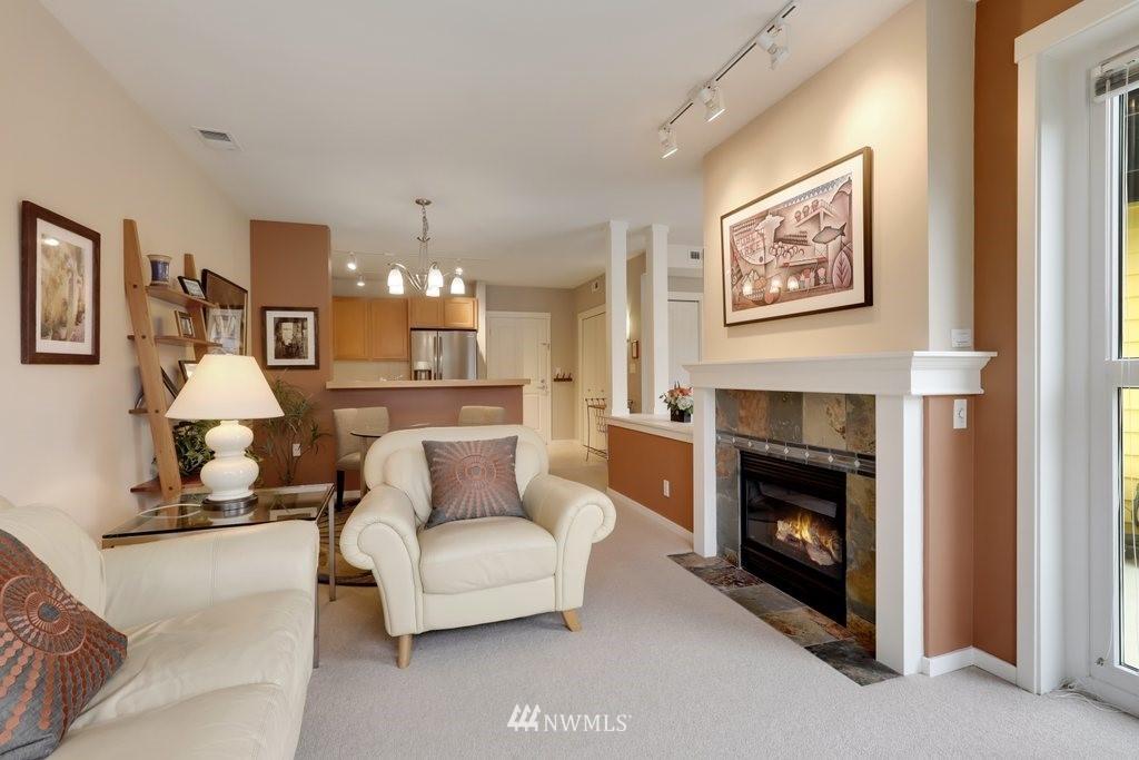Sold Property   2901 NE Blakeley Street #404 Seattle, WA 98105 8