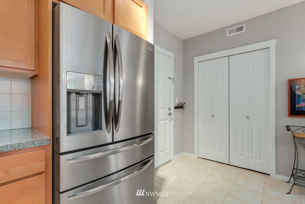 Sold Property   2901 NE Blakeley Street #404 Seattle, WA 98105 12