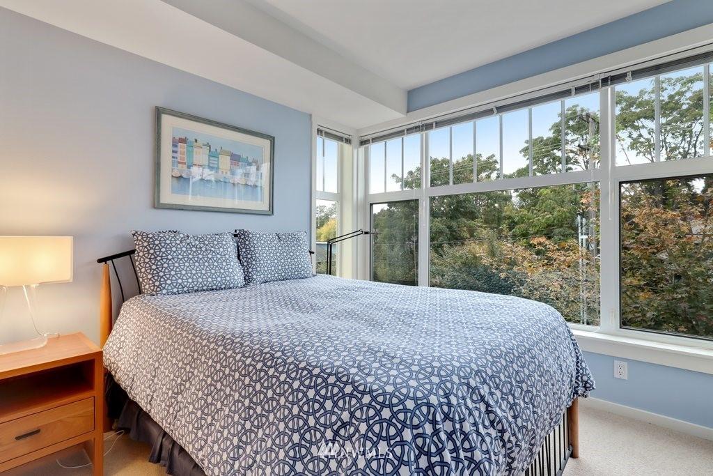 Sold Property   2901 NE Blakeley Street #404 Seattle, WA 98105 13