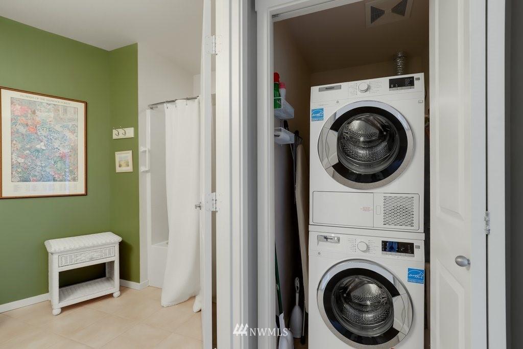 Sold Property   2901 NE Blakeley Street #404 Seattle, WA 98105 16