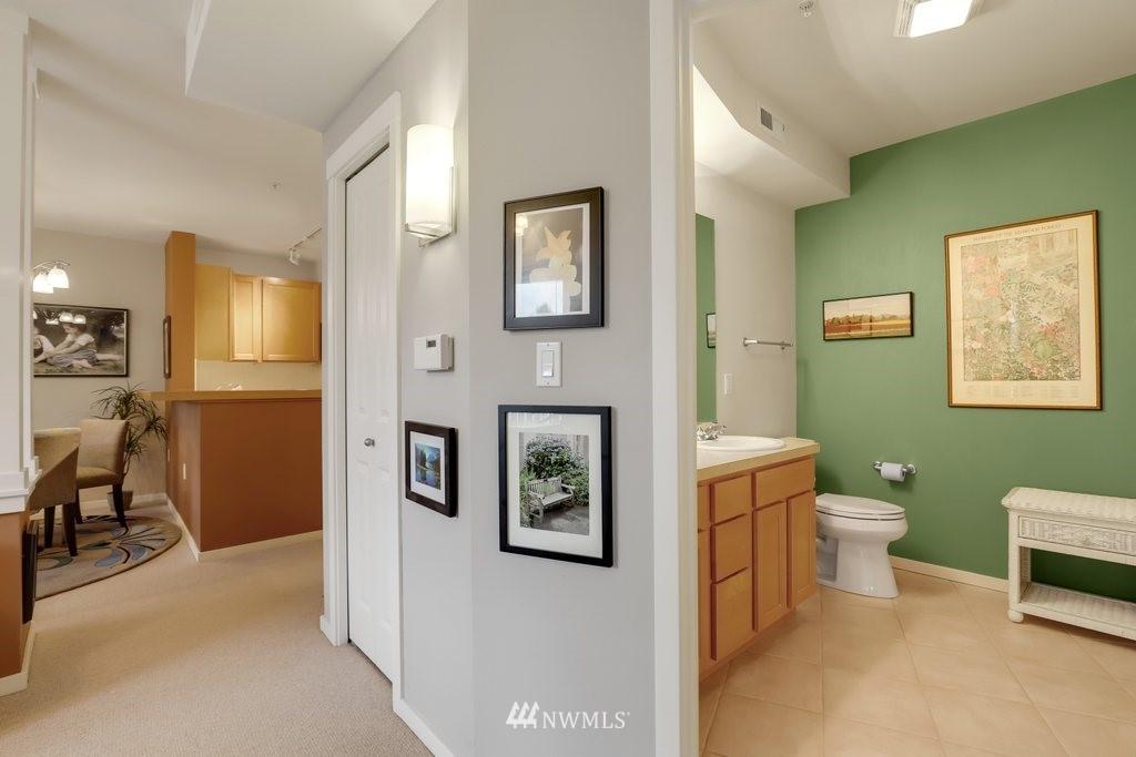 Sold Property   2901 NE Blakeley Street #404 Seattle, WA 98105 17