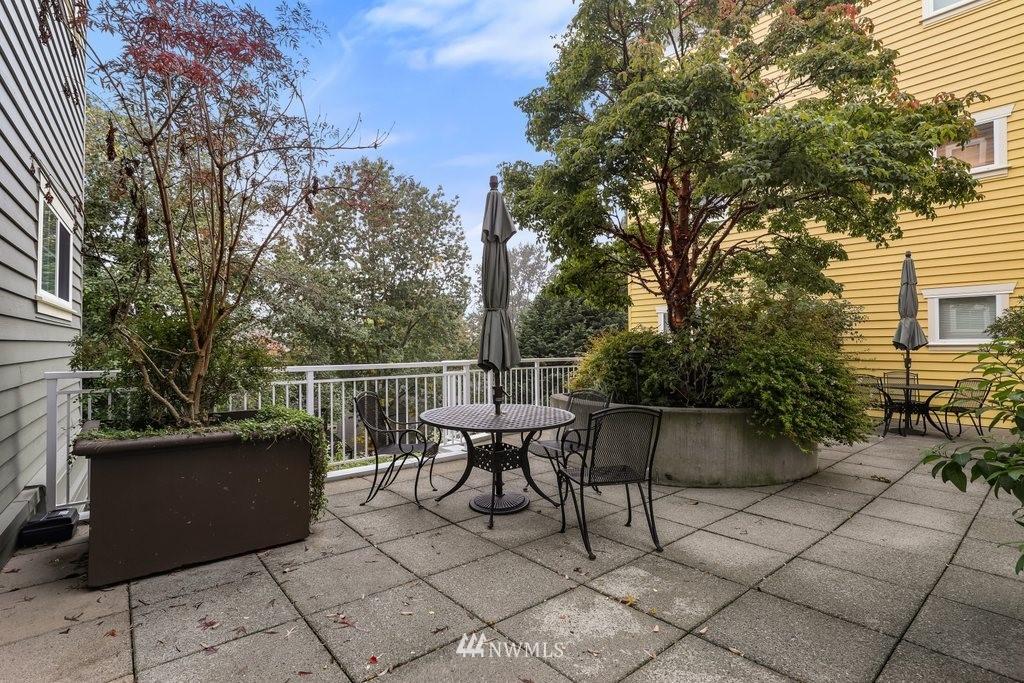 Sold Property   2901 NE Blakeley Street #404 Seattle, WA 98105 21