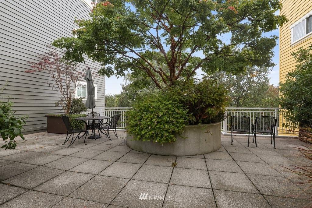 Sold Property   2901 NE Blakeley Street #404 Seattle, WA 98105 22