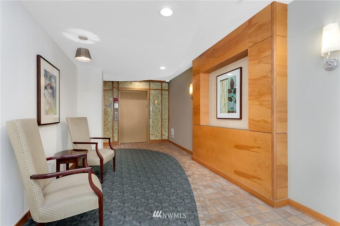 Sold Property   2901 NE Blakeley Street #404 Seattle, WA 98105 23