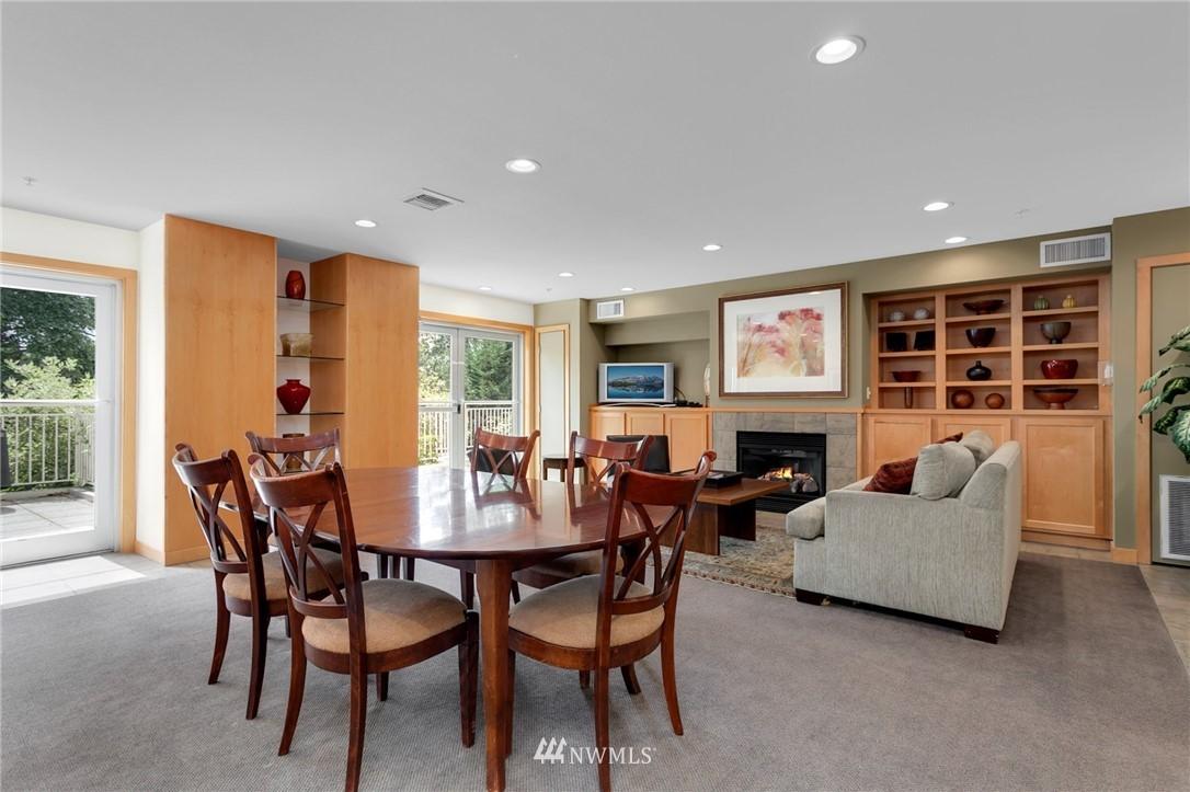 Sold Property   2901 NE Blakeley Street #404 Seattle, WA 98105 24