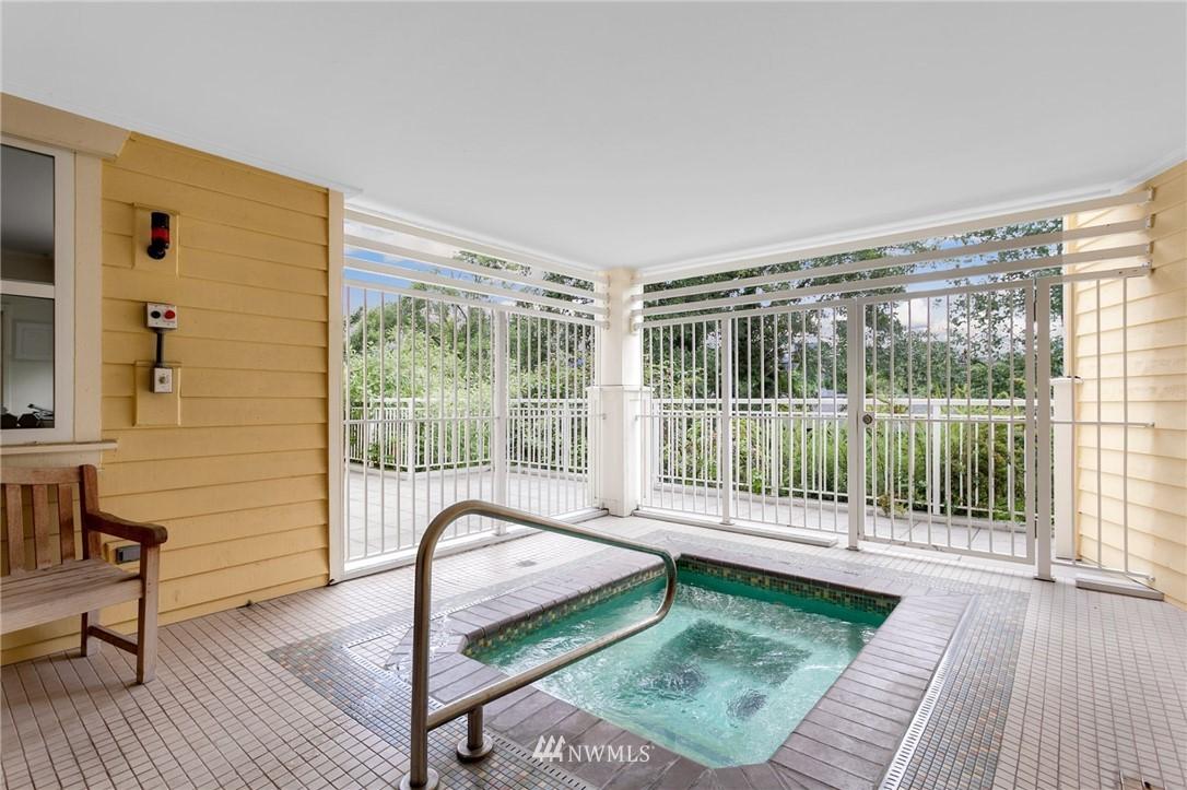Sold Property   2901 NE Blakeley Street #404 Seattle, WA 98105 27