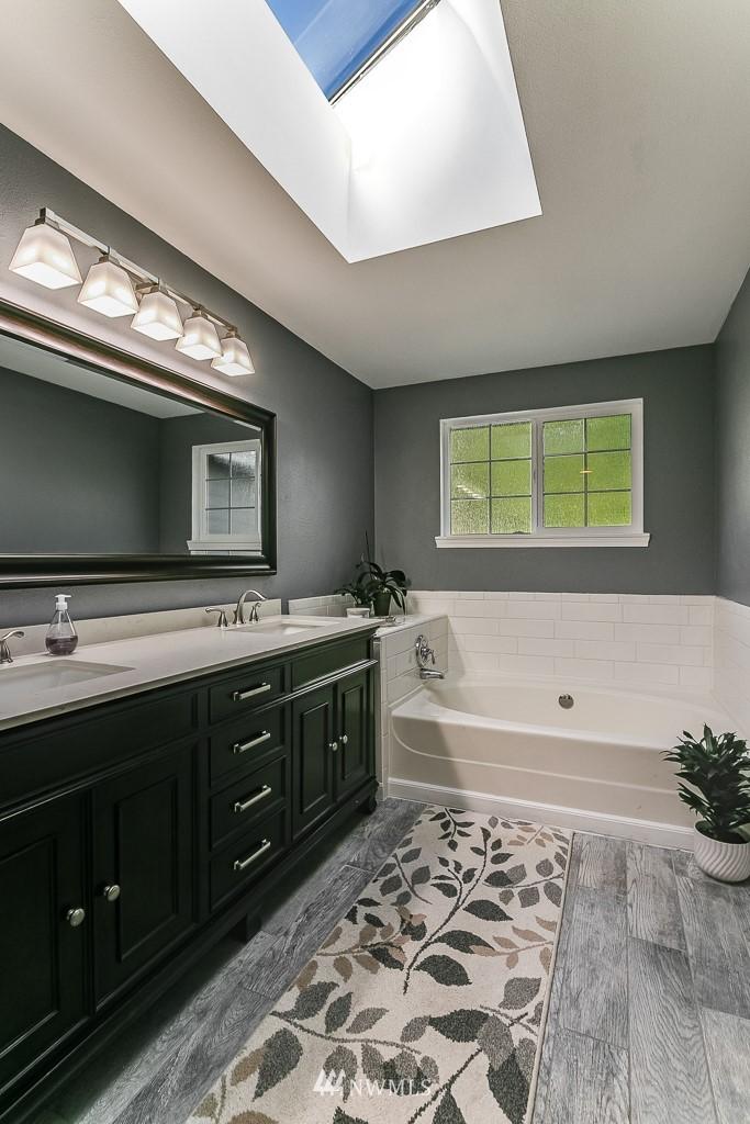 Sold Property   3660 248th Place SE Sammamish, WA 98029 16