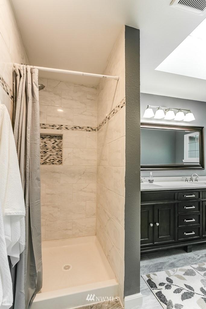 Sold Property   3660 248th Place SE Sammamish, WA 98029 17
