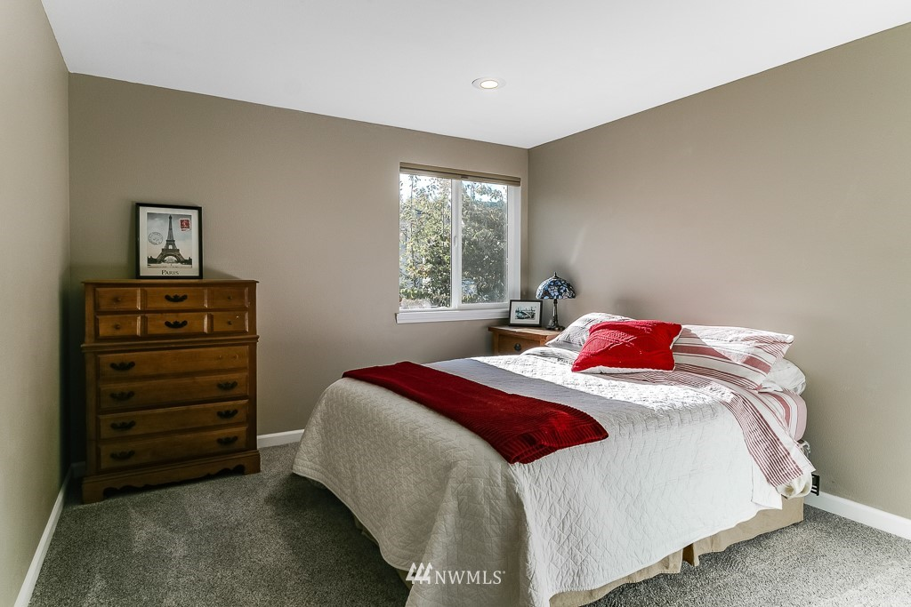 Sold Property   3660 248th Place SE Sammamish, WA 98029 18
