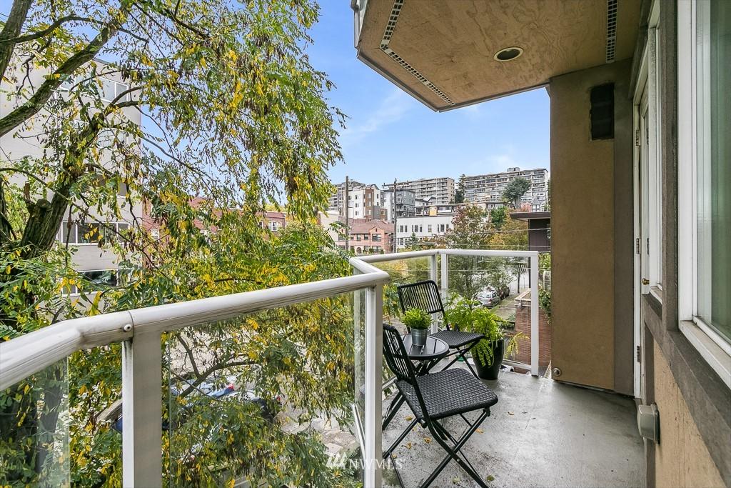 Sold Property   311 E Republican Street #600 Seattle, WA 98102 2