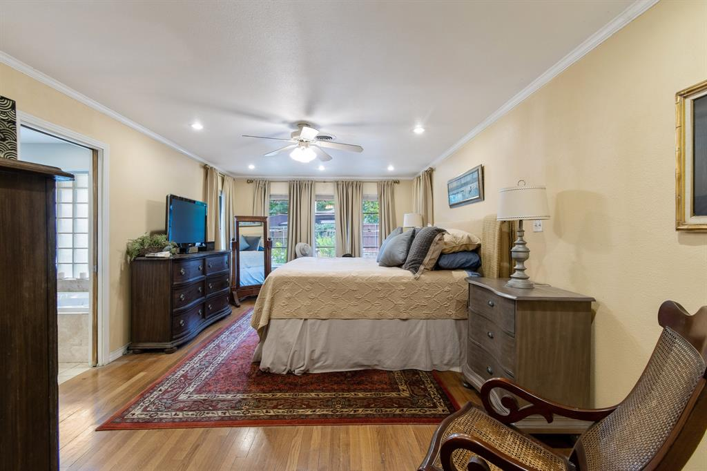 Sold Property   810 W Greenbriar Lane Dallas, Texas 75208 14