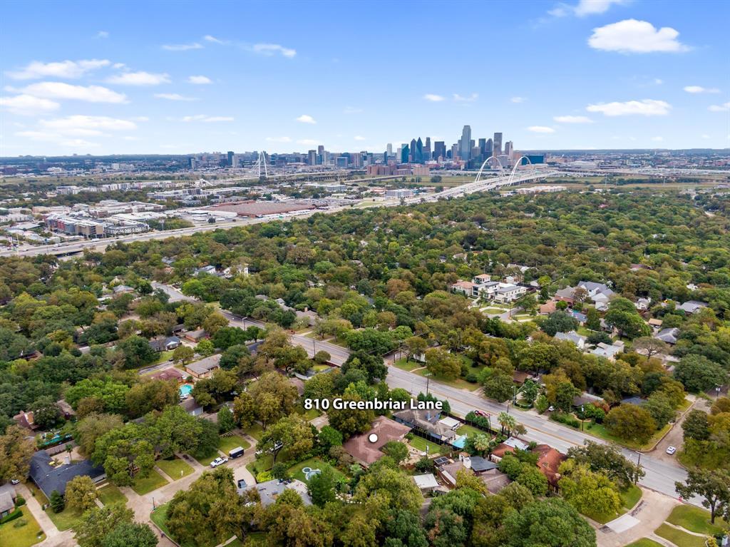 Sold Property   810 W Greenbriar Lane Dallas, Texas 75208 8