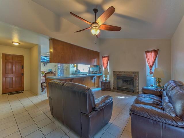 Pending   419 Stonewood Drive Los Banos, CA 93635 3