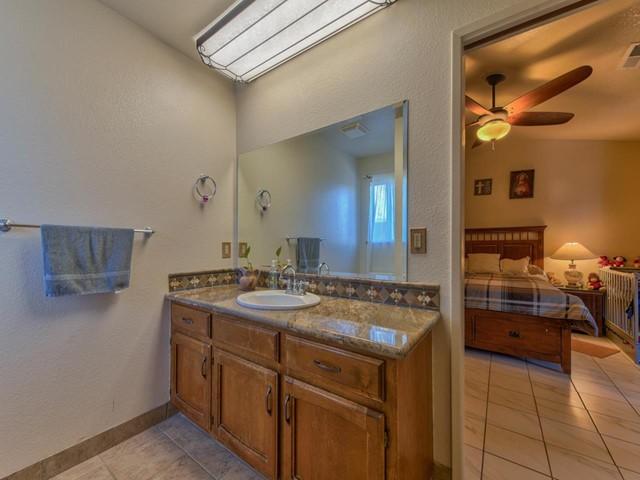 Pending   419 Stonewood Drive Los Banos, CA 93635 12