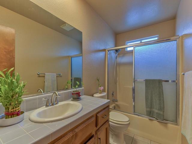 Pending   419 Stonewood Drive Los Banos, CA 93635 18