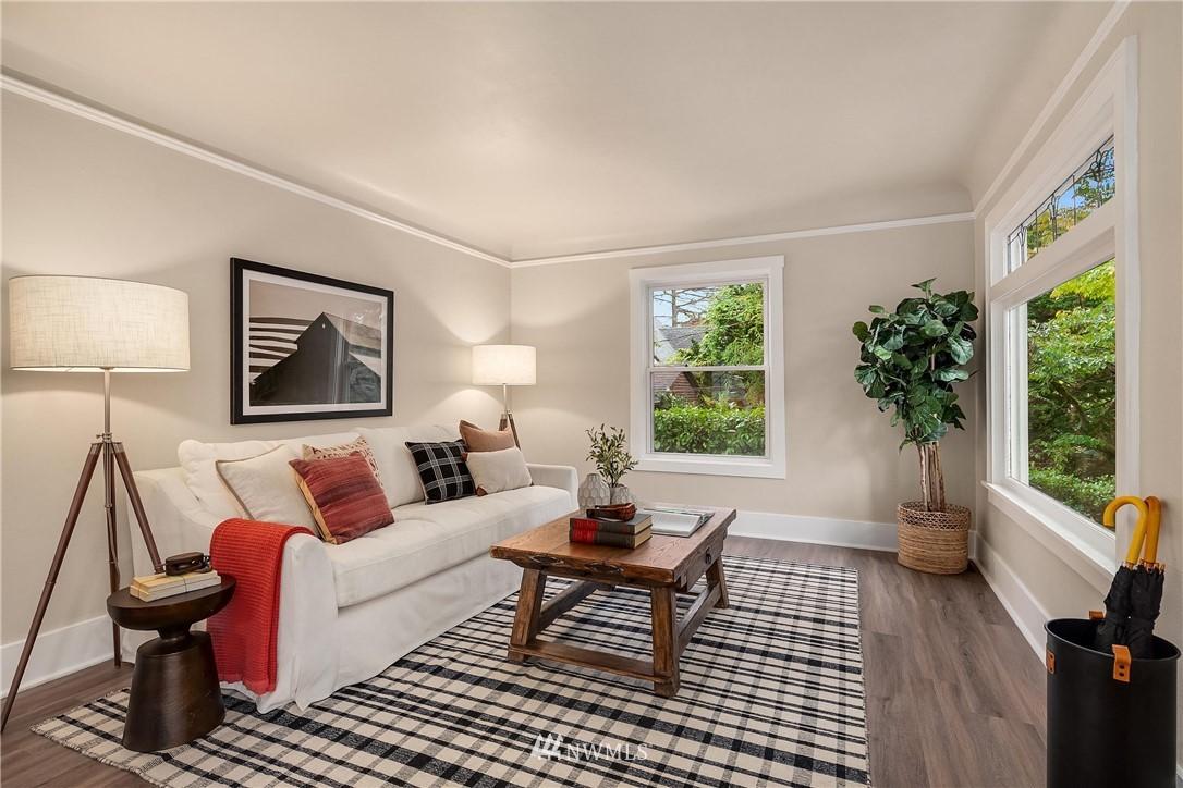 Sold Property | 5754 24th Avenue NE Seattle, WA 98105 3