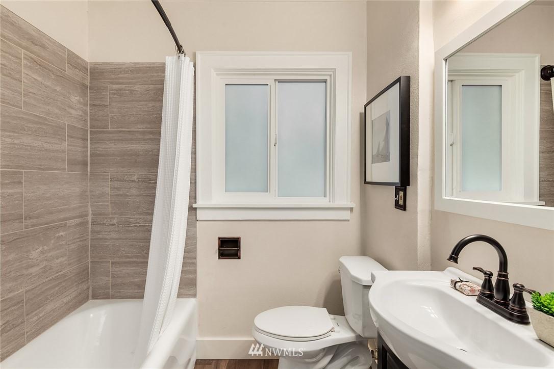 Sold Property | 5754 24th Avenue NE Seattle, WA 98105 13