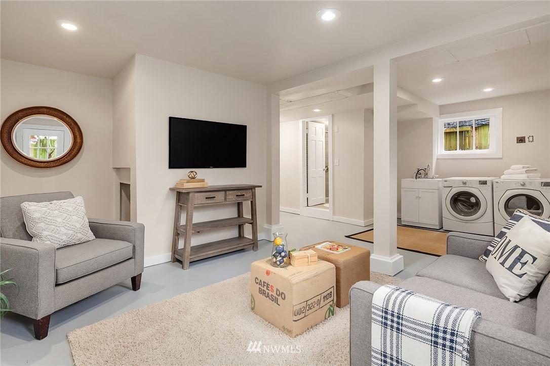 Sold Property | 5754 24th Avenue NE Seattle, WA 98105 18
