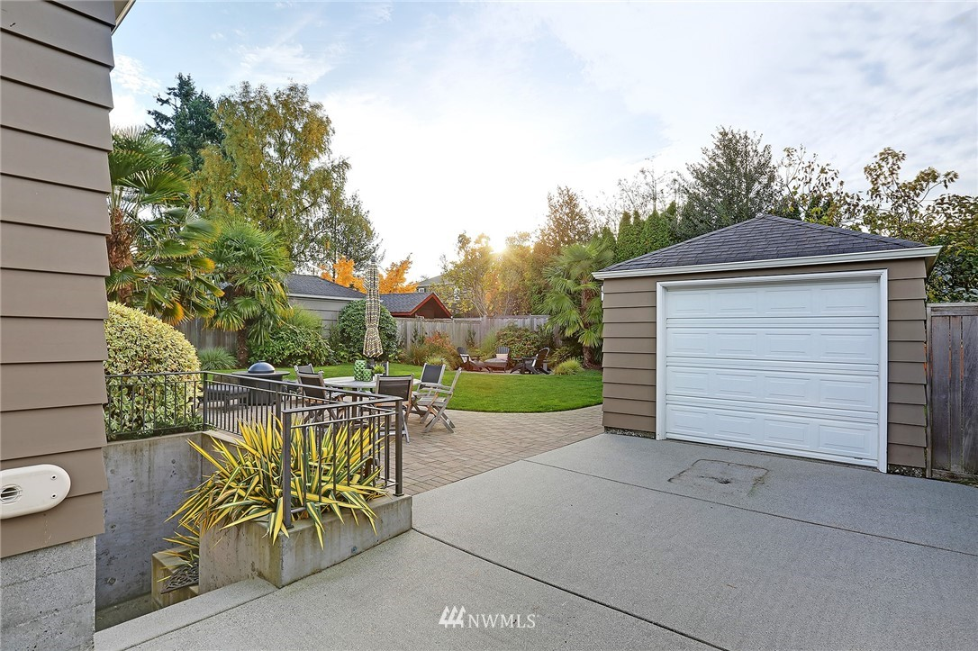 Sold Property   8543 24th Avenue NW Seattle, WA 98117 20