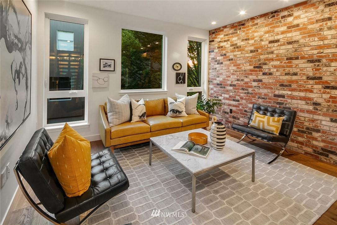Sold Property   2361 Minor Avenue E Seattle, WA 98102 6