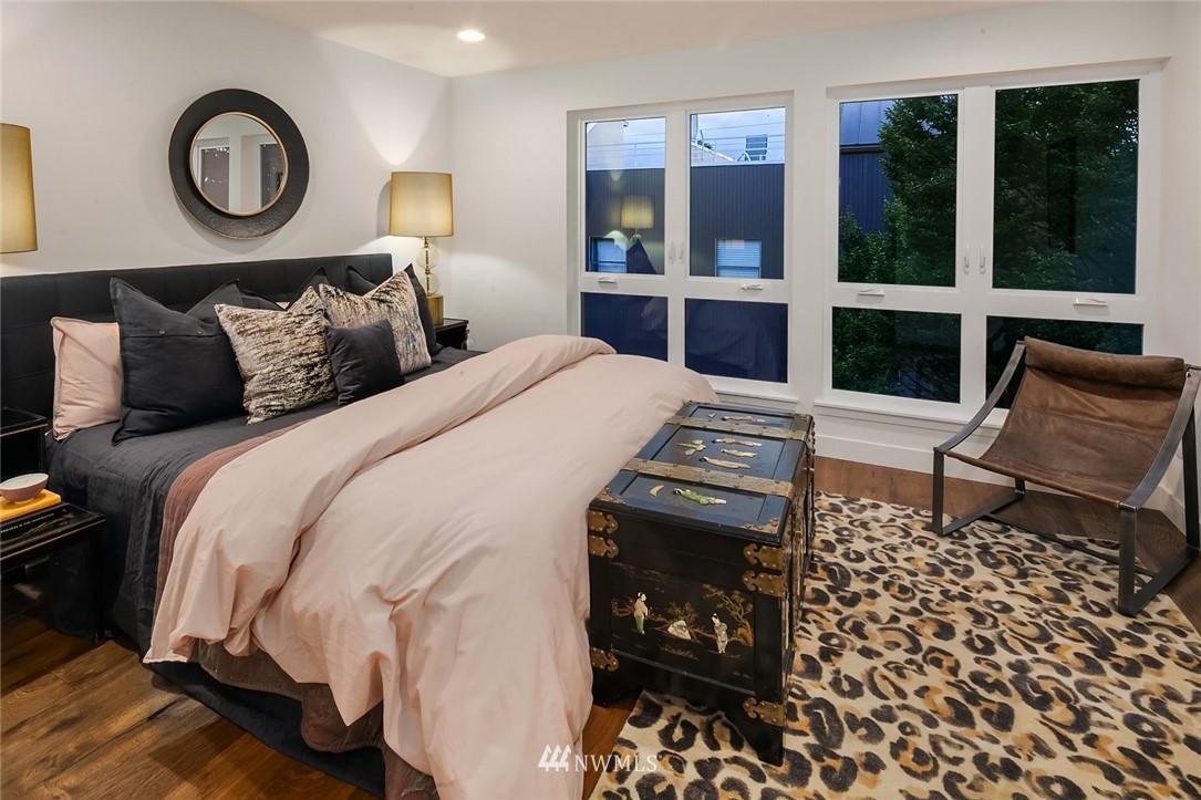 Sold Property   2361 Minor Avenue E Seattle, WA 98102 9