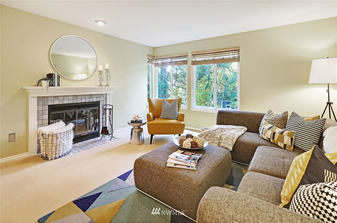 Sold Property | 10329 Meridian Avenue N #B303 Seattle, WA 98133 3