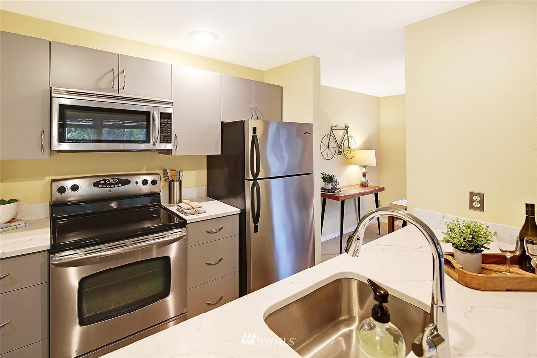 Sold Property | 10329 Meridian Avenue N #B303 Seattle, WA 98133 8