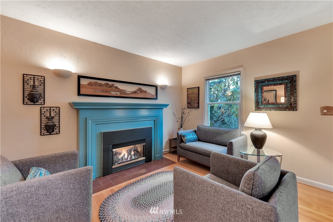 Sold Property | 3403 62nd Avenue SW Seattle, WA 98116 4