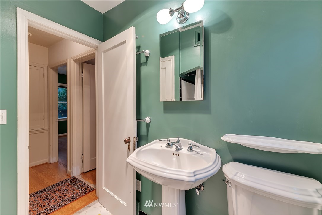 Sold Property | 3403 62nd Avenue SW Seattle, WA 98116 17